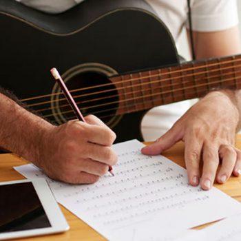 آموزش موسیقی ٬ بهترین آموزشگاه موسیقی ، کلاس آموزش ویولن ، کلاس آموزش گیتار