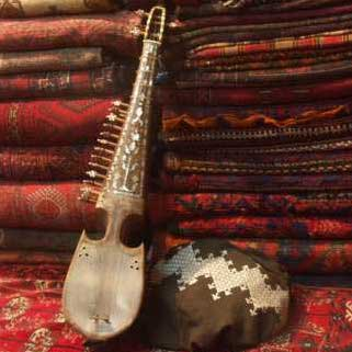 ساز رباب ٬ آموزشگاه موسیقی تهران ٬ کلاس آموزش کمانچه ٬ بهترین آموزشگاه موسیقی شمال تهران