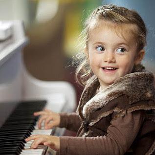 آموزش پیانو ٬ بهترین آموزشگاه موسیقی ٬ کلاس آموزش پیانو ٬ آموزشگاه موسیقی تهران