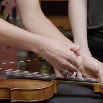 عوض کردن سیم های ویولن ، بهترین آموزشگاه موسیقی ، آموزشگاه موسیقی ، کلاس آموزش ویولن
