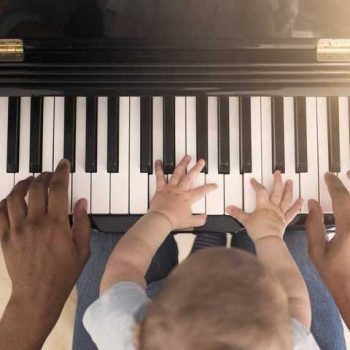 استاد کلاس پیانو ٬ کلاس آموزش پیانو ٬ آموزشگاه موسیقی تهران ٬ بهترین آموزشگاه موسیقی تهران