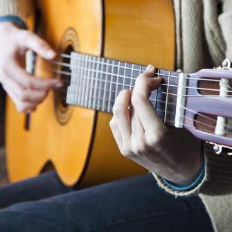 یادگیری گیتار کلاسیک ٬ کلاس آموزش موسیقی ٬ آموزشگاه موسیقی شمال تهران