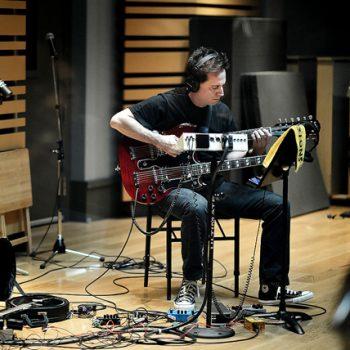 ضبط صدای گیتار الکتریک ٬ آموزشگاه موسیقی شمال تهران ٬ کلاس آموزش گیتار